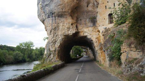 Caday Rouge Motorcycle Tours France en route to St. Cirq Lapopie