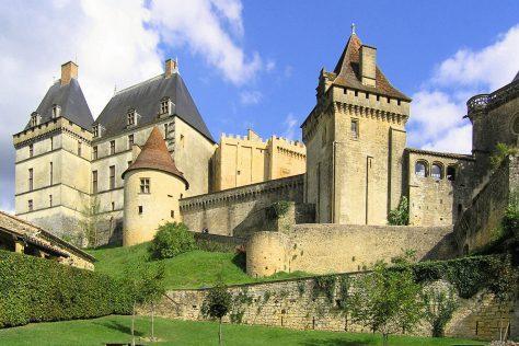 Chateau de Biron motorcycle tour